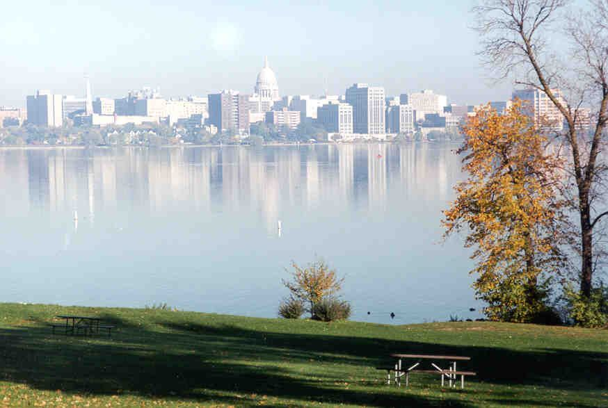 best lakes for boating in Wisconsin